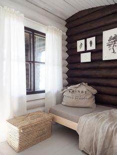 Hirsimökin muodonmuutos: saunatupa   SLIIK Log Wall, Cabin Interiors, Home Fashion, Interior Architecture, Home Goods, Furniture Design, Cottage, House Styles, Home Decor
