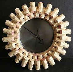 Wine cork clock. Genius.