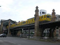 Berlin: Die U2 nach U-Bahnhof Ruhleben am U-Bahnhof Bülowstraße.