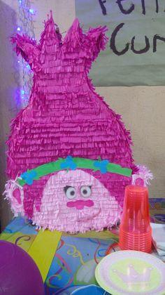 Color Azul Rey, Los Trolls, Color Rosa, Ideas Para, Poppies, Diy And Crafts, Birthday Cake, Outdoor Decor, Blog