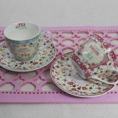 """Για τον καφέ ή το τσάι δύο φλυτζάνια με τα πιατάκια τους με floral σχέδια, από φίνα πορσελάνη, σε γαλάζια και ροζ απόχρωση """"για εκείνον και εκείνη"""" . Σε συσκευασία δώρου Χωρητικότητα: 200m Tea Cups, Tableware, Dinnerware, Tablewares, Dishes, Place Settings, Cup Of Tea"""