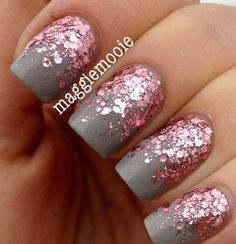 Essence Grey-t To Be Here with Essie A Cut Above for the reverse glitter gradient. – by http:& Moore Martin Essence Grey-t To Be Here with Essie A Cut Above… Fancy Nails, Love Nails, Pretty Nails, Sparkle Nails, Glitter Gradient Nails, Acrylic Nails, Chunky Glitter Nails, Frensh Nails, Gray Nails