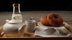 Ντόνατς με κανέλα και ζάχαρη Waffles, Pancakes, Sweet Bread, Crepes, Cooking, Tableware, Kitchen, Dinnerware, Tablewares