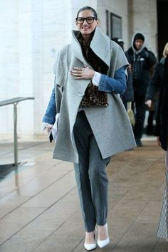 Fall Winter Outfits, Autumn Winter Fashion, Jenna Lyons, Evolution Of Fashion, Minimal Outfit, Love Her Style, Dressing, Coats For Women, Passion For Fashion