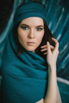 Turquoise portrait shoot by Tania Sushchenia www.lilplague.com