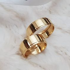 5 Stunning Wedding Ring Trends in 2020 Stacked Wedding Rings, Wedding Rings For Women, Wedding Sets, Gold Diamond Wedding Band, Wedding Ring Bands, Neil Lane Engagement, Engagement Rings, Wedding Finger, Wedding Ring Designs