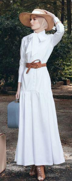 European Western Vintage Inspired Retro Hijab Fashion Diana Kotb Baroness Dress in White - Women's fashion interests Muslim Fashion, Modest Fashion, Hijab Fashion, Fashion Outfits, Womens Fashion, Fashion Trends, Trendy Fashion, Fashion 2016, White Fashion