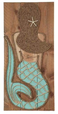 Turquoise chalkboard paint, medium walnut stain, sisal rope Each piece is handcrafted from high quality cedar wood. Since each piece of art is made to order none will be identical, but will look as close to the picture as possible. one もっと見る Mermaid Crafts, Seashell Crafts, Beach Crafts, Vitrine Design, Mermaid Bedroom, Mermaid Wall Art, Mermaid Room Decor, Mermaid Canvas, Mermaid Sign