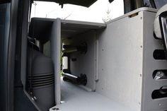 VW T5/T6 Transporter - TRAVEL-SLEEP-BOX Vw T5, Volkswagen, T5 Transporter, Caravelle Vw, Sleep Box, Minivan Camping, Baby Nursery Themes, Locker Storage, Camper