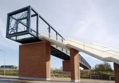 West 8 Urban Design & Landscape Architecture / projects / Passerelle Station Roosendaal