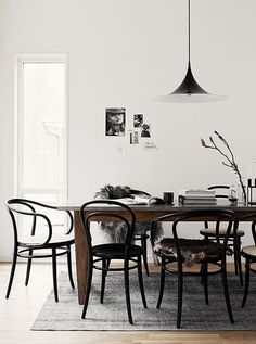 Bentwood chairs are a fantastic choice for your dining room. See our favorite options for shopping this classic Thonet chair. Dining Room Inspiration, Interior Inspiration, Interior Ideas, Home Interior, Interior Decorating, Decorating Ideas, Sweet Home, Bentwood Chairs, Metal Chairs