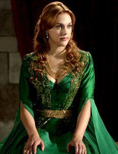 Hurrem's green gown & jeweled kaftan, 2x03 - Magnificent Wardrobe