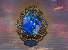 Doctor Who Tardis in the space cameo pendant (polymer clay tutorial) (+l...
