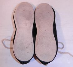 Vintage Womens Black & White Cotton Canvas Ballet Flats Lace-up Bathing Slippers Shoes 1920s Bathing Suits, 20s Flapper, Roaring 20s, Bathing Beauties, White Cotton, Ballet Flats, Cotton Canvas, Vintage Ladies, Slippers