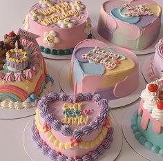 Cute Cakes, Birthday Cake, Sweets, Restaurant, Desserts, Food, Aesthetics, Minimalist, Korean