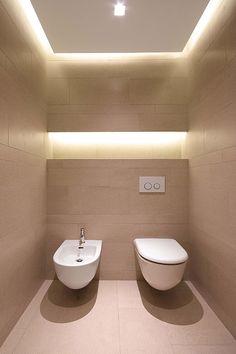 JM Architecture hat im Sommer 2013 eine strahlend weiße Villa in Jesolo an der Adria entworfen – mit Fliesen von Royal Mosa.