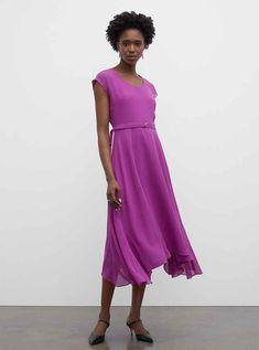 Burnout Pleated Maxi Dress Casual Day Dresses, Dress Outfits, Fashion Dresses, Elegant Dresses, Club Monaco, Dress Remove, Silk Midi Dress, Pleated Maxi, Scoop Neck Dress