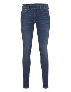 """Mid-Rise Skinny Jeans Die """"Halle"""" ist eine superschmal geschnittene knöchellange Mid-Rise-Jeans aus Stretch-Denim in blauer Vintage-Waschung mit matt-schwarzen Knöpfen, Wildleder-Patch und Kontrastnähten.  Lässige Vintage-Styles mit kalifornischer Leichtigkeit!"""