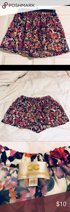 💐 Flora shorts  🌷 🌷 Spring time flora shorts. Cute shorts with pockets from Nordstrom. Size medium. 100 % polyester. Very comfy. Pair with a tank top or tee. Only worn 1-2 times. Great condition. Taking offers 🌷 Collective Concepts Shorts