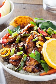 This Cajun honey glazed chicken bowl is packed with bright, fresh ingredients! The chicken is actually cooked IN the marinade, allowing for maximum flavor. Honey Glazed Chicken, Chicken Glaze, Cooking Recipes, Healthy Recipes, Cajun Recipes, Healthy Dinners, Healthy Foods, Bowls, Asian