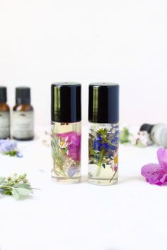 Create Your Own Signature Scent With These 20 DIY Perfumes From floral to fruit, it takes some trial and error to find the aroma that inspires you. Thankfully, you can create your very own signature scent with Parfum Bio, Fragrance Parfum, Diy Fragrance, Diy Perfumes, Diy Perfume Roll On, Essential Oil Perfume, Essential Oils, Perfume Oils, Fancy Shop