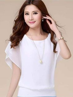 This top is very cute and flattering. Wide-cut tunic made from lightweight semi-transparent chiffon material. There are two layers, very Comfortable to wear. #top #chiffon Plus Size Casual, Casual Tops, Casual Shirts, Trendy Tops, Chiffon Shirt, Chiffon Tops, Women's Summer Fashion, Women's Fashion, Fashion Women