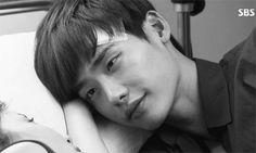 10 Adorable GIFs to celebrate Lee Jong Suk's birthday