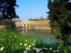 #Primavera al #LagodiGarda - Peschiera del Garda pic.twitter.com/Y36lM4fjC3 @GardaConcierge