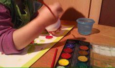 Natępnie bąbki malujemy, można też okleić np. kolową bibułką