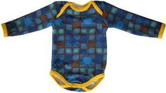 sewing tutorials free Free pattern: Baby onesie - Small Dreamfactory shares a free pattern for making a baby onesie. Make it from a fun print with contrast binding, like she did, for a one of a kind garment for baby. Her free pattern will make a… Sewing Kids Clothes, Baby Clothes Patterns, Kids Patterns, Baby Kids Clothes, Sewing For Kids, Sewing Patterns Free, Free Sewing, Sewing Tutorials, Clothing Patterns