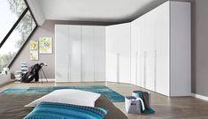 Endre layout på soverommet og velge hjørneløsning for garderoben?