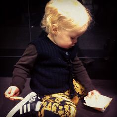 And this is how you wear those great Cobra leggings by Mini Rodini !!  > NORMAN´S OUTFIT - via www.Northlittle.dk