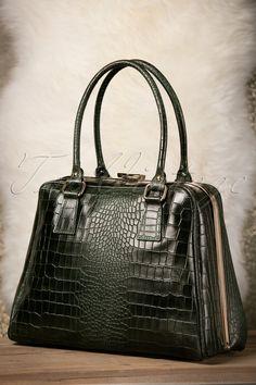 VaVa Vintage Chic Suitcase Croc Handbag in Green Leather Vintage Purses, Vintage Bags, Vintage Green, Vintage Outfits, Vintage Clothing, Green Handbag, Frame Bag, Backpack Purse, Green Leather