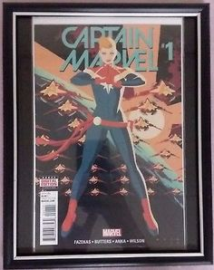 CAPTAIN MARVEL.#1 Marvel Comics 1st Issue FRAMED Comic Book FREE BONUS FRAME