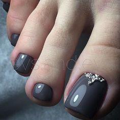 Grey Toe NailArt https://noahxnw.tumblr.com/post/160948429056/hairstyle-ideas