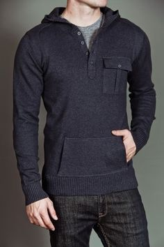 Farb-und Stilberatung mit www.farben-reich.com - Mens sweater... digging the pocket and button detailing