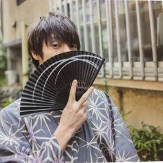 窪田正孝さんはInstagramを利用しています:「. . . 浴衣似合いすぎ🍧💕 . .」 Pose Reference Photo, Human Reference, Japanese Flowers, Japanese Boy, Kubota, Flower Boys, Asian Actors, Tokyo Ghoul, Cute Boys