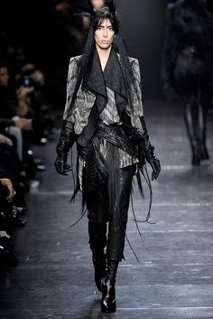 Ann Demeulemeester Fall 2011 Ready-to-Wear Collection Slideshow on Style.com