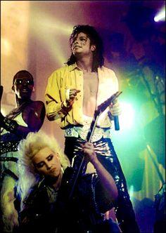 Paris Jackson, Janet Jackson, Michael Jackson Smile, Lisa Marie Presley, Elvis Presley, Beyonce, Invincible Michael Jackson, Ariana Grande, Love Dance