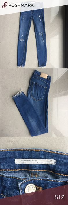 Zara skinnies Very stretchy, very comfortable zara skinnies! Good condition. Very form fitting and make your butt look nice :)  #zara #h&m #jeans #denim #forever21 #thelimited #jcrew #madewell #denim #bottoms #pants Zara Jeans Skinny