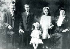 Trying to pin point your immigrant ancestors ancestral town? Here are a dozen places to explore to determine their origins: http://ancstry.me/1PQiRc6 #ancestry #genealogy #familyhistory #familytree #heritage #roots