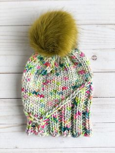 The Peak of Summer Beanie is a beginner-friendly hat knitting pattern that is written for 3 different weights of super bulky yarn. It's perfect for showing off fun hand-dyed and speckled yarns. Video tutorials are included for the twisted stitches making this pattern easy for beginner knitters. Beginner Knitting Patterns, Chunky Knitting Patterns, Knitting For Beginners, Summer Beanie, Knit Headband Pattern, Super Bulky Yarn, How To Start Knitting, Knit In The Round, Stockinette