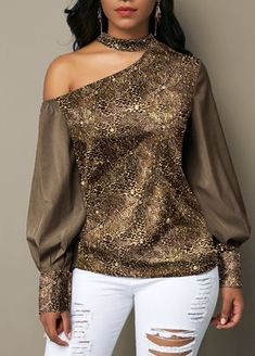 Women Blouse Designs, Women Blouses And Tops, Formal Blouses For Women Trendy Tops For Women, Blouses For Women, Stylish Tops, Blouse Styles, Blouse Designs, Sewing Blouses, Looks Plus Size, Elegant Outfit, Plus Size Blouses