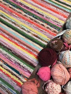Rag Rugs, Kilim Rugs, Painted Rug, Loom Weaving, Scandinavian Style, Carpets, Pattern Design, Knitting, Sewing