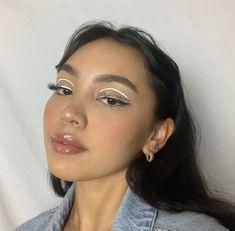 White Eye Makeup, Fancy Makeup, Cute Makeup Looks, Makeup Eye Looks, Eyeliner Looks, Glowy Makeup, Pretty Makeup, Beauty Makeup, Hair Makeup