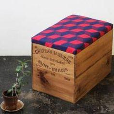 Quand des caisses de bois deviennent tabourets tendance