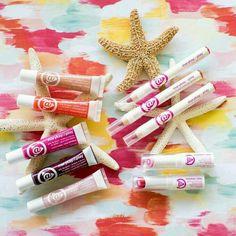 Brillos ultra brillantes, lápiz para labios,bálsamos con color. ..I❤ Mary Kay At Play®! ¿¿Quieres probarlos? ? No lo dudes y ponte en contacto conmigo http://www.marykay.es/mariasanandres