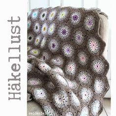 seidenfein 's Dekoblog: Häkeldecke : taupe & braun und wunderschön * my first and lovely hexagon crochet blanket