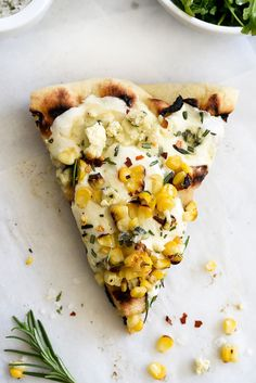 Charred Corn with Rosemary Grilled Pizza and Crushing On Naturally Ella – foodiecrush Lunch Recipes, Vegetarian Recipes, Cooking Recipes, Vegetarian Grilling, Healthy Grilling, Healthy Food, Grilled Pizza, Grilled Zucchini, Pizza Pizza