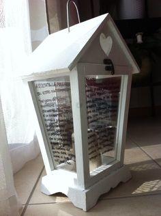 """Sulla lanterna, che ho dipinto di bianco, ho scritto la preghiera del sacerdote belga Phil Bosmans: """"Ascoltate la preghiera del vostro matrimonio""""  http://viacampagnola40.wordpress.com/"""